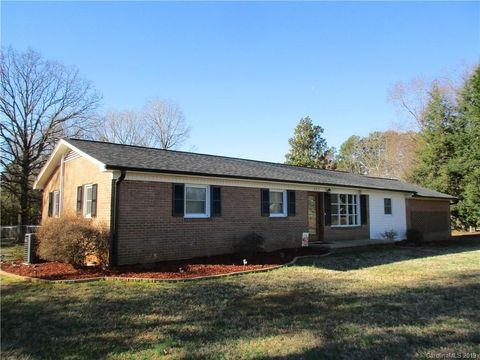 Photo of 292 Telephone Exchange Rd, Hickory, NC 28601