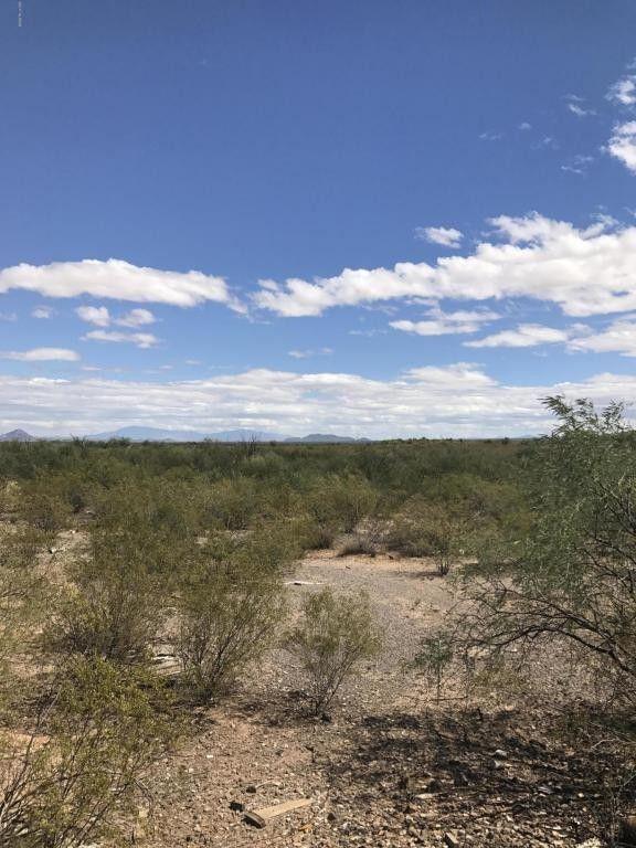 7683 S Atkinson Ln, Tucson, AZ 85735