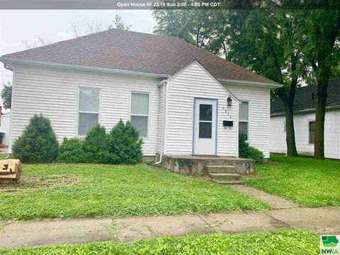 Photo of 4212 Harrison St, Sioux City, IA 51108