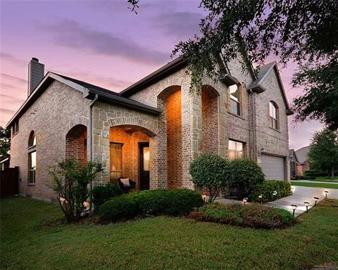 Grand Prairie  TX Homes with special features. Grand Prairie  TX Real Estate   Grand Prairie Homes for Sale