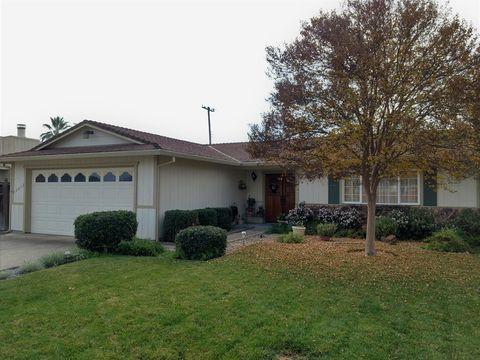 Photo of 10432 Autumn Breeze Way, Rancho Cordova, CA 95670