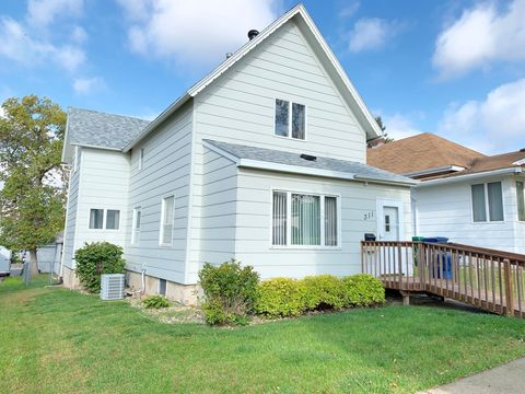Photo of 311 2nd St Se, Watertown, SD 57201