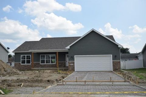 Photo of 803 Valley View Dr, Lowell, IN 46356