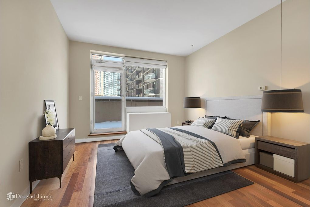 240 51st Ave Apt 2 M Long Island City Ny 11101 Realtor Com,Room Clothes Organizer Ideas