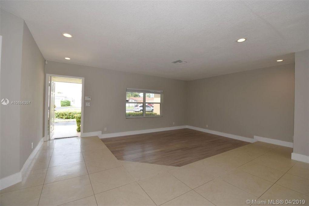 4910 Monroe St, Hollywood, FL 33021