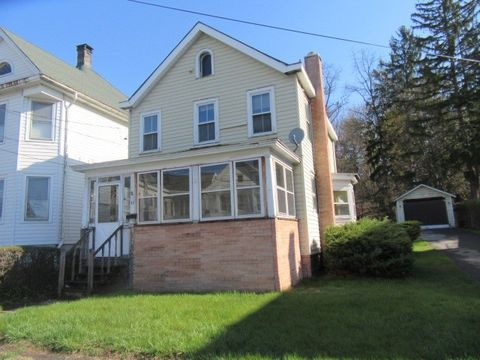 48 Montrepose Ave, Kingston, NY 12401