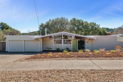 Photo of 927 Idylberry Rd, San Rafael, CA 94903