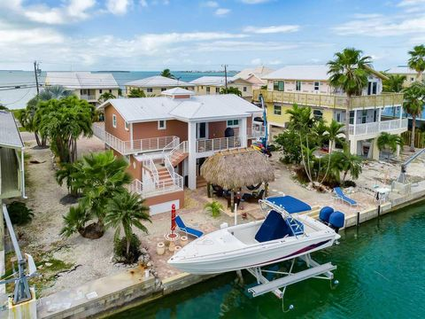 Photo of 187 E Caribbean Dr, Summerland Key, FL 33042