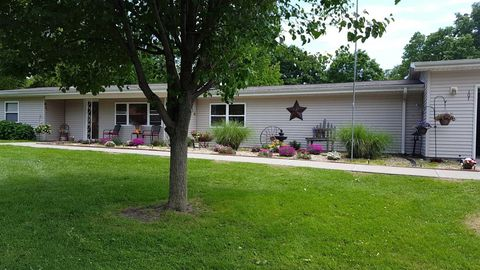 Photo of 107 W Garfield St, Iola, KS 66749