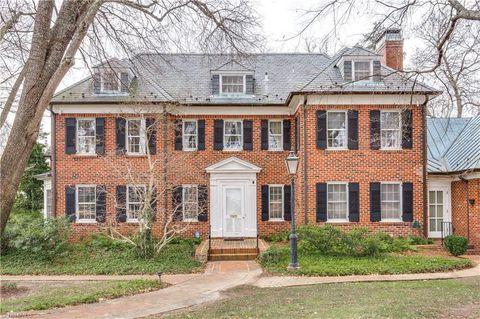 815 Woodland Dr, Greensboro, NC 27408