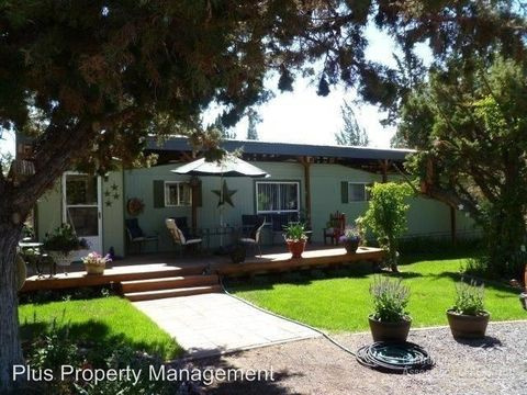 Photo of 1007 Nw 35th St, Redmond, OR 97756