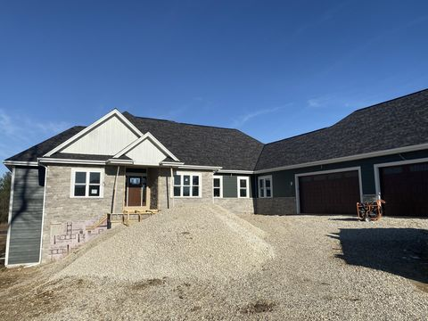 Photo of 4048 Whispering Pass, Richfield, WI 53076