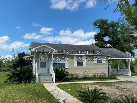 Photo of 2835 Baker Ave, Marianna, FL 32448