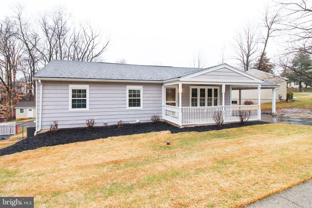 45 Casselberry Dr Norristown, PA 19403