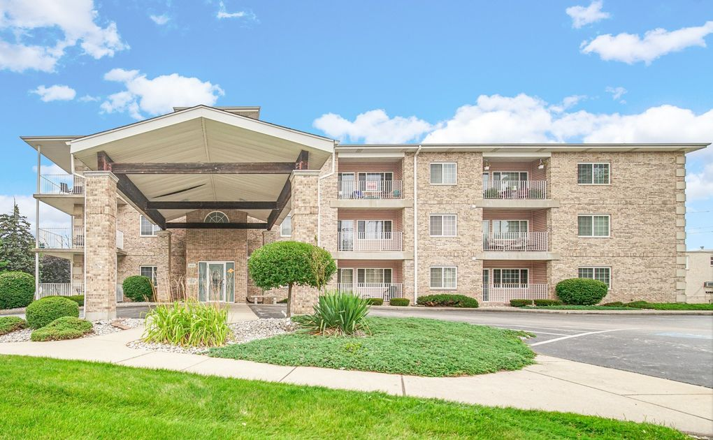 18215 Wentworth Ave Apt 3A Lansing, IL 60438