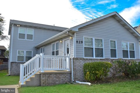 Photo of 829 Shore Dr, Edgewater, MD 21037