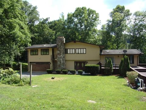 669 Woodland Hills Rd,Harlan,KY 40831