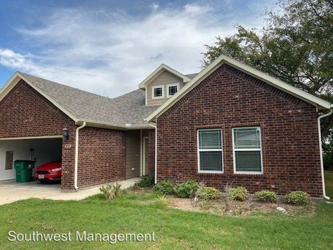 Photo of 1015 Swanner Dr, Howe, TX 75459