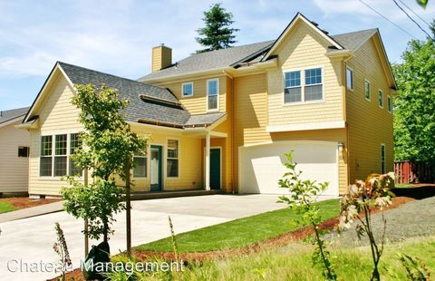 Photo of 612 Nw 29th St, Corvallis, OR 97330