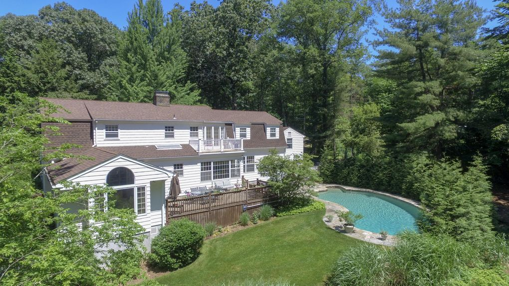 358 Turtle Back Rd New Canaan, CT 06840