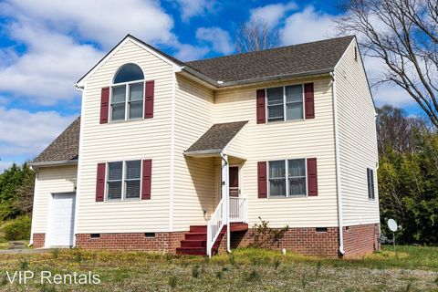 Photo of 7118 Pony Cart Dr, North Chesterfield, VA 23225