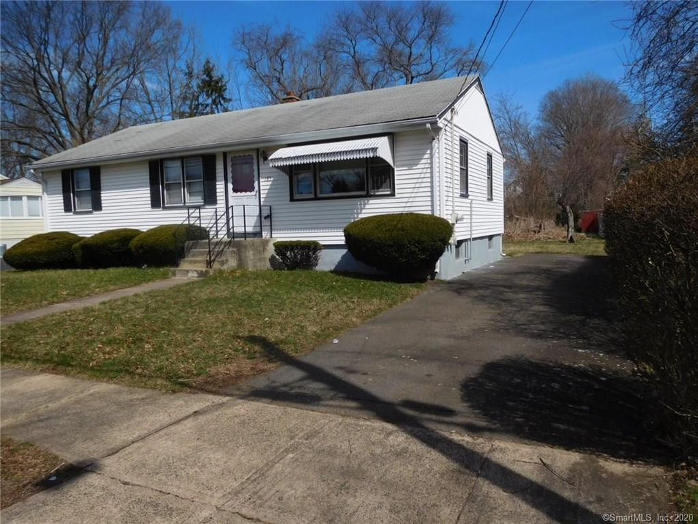185 Kenneth St East Haven, CT 06512