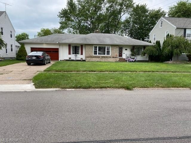 1130 Hillsdale Ave Lorain, OH 44052