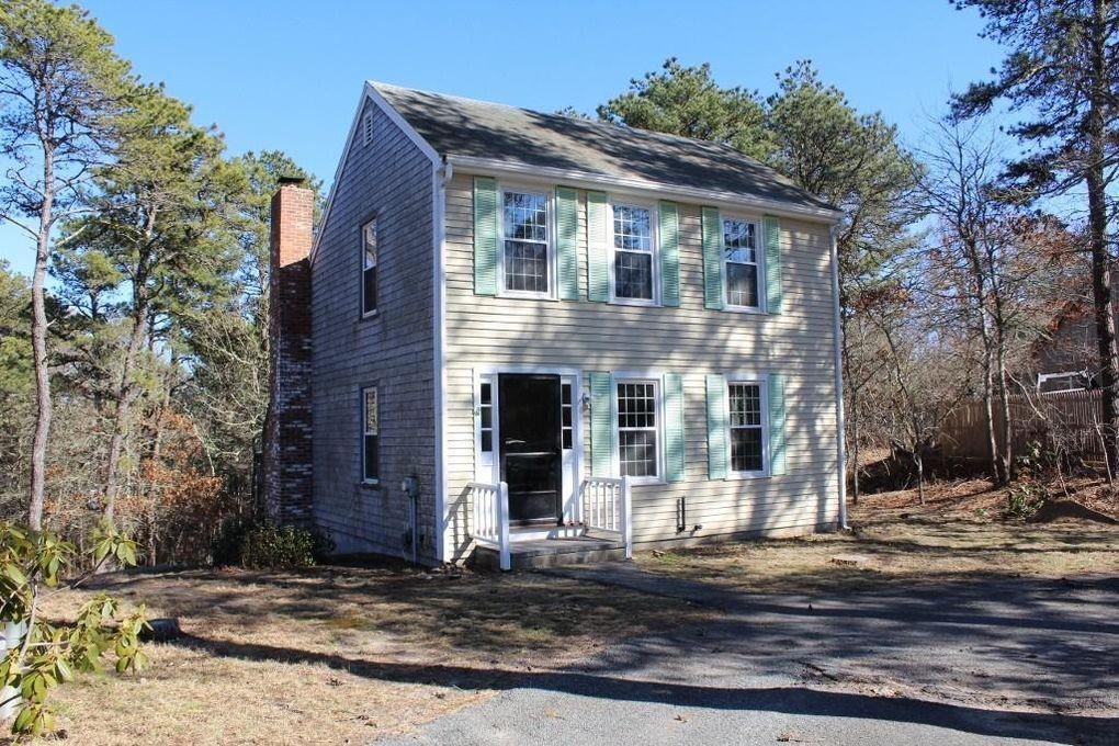 6 Barn House Rd Dennis, MA 02639