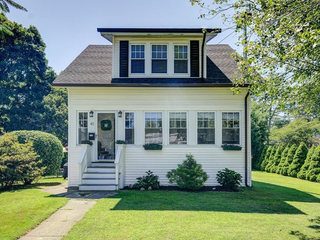 41 W Chester St Worcester, MA 01605