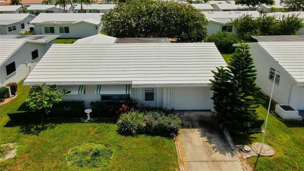 9825 37th St N Unit 4 Pinellas Park, FL 33782