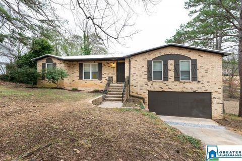 Photo of 2237 6th St, Center Point, AL 35215