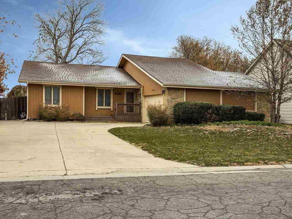 1300 S Todd Ct Wichita, KS 67207
