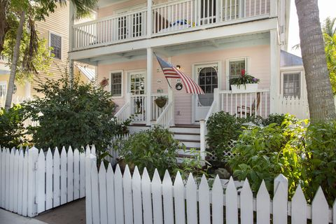 Key West, FL Recently Sold Homes - realtor.com® on pond house plans, kitchen house plans, barn house plans, breezeway house plans, inverted living house plans, guest house house plans, wrap around shower house plans, pool house house plans, wooded lot house plans, outdoor shower house plans, butler's pantry house plans, victorian house plans, southern living house plans, open floor plan house plans, sunroom house plans, country house plans, den house plans, sloping lot house plans, 2 bath house plans, windows house plans,