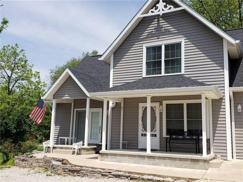 Photo of 61 Molly Ln, Nashville, IN 47448