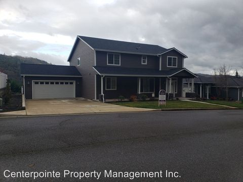 Photo of 786 North View Dr, Winchester, OR 97495