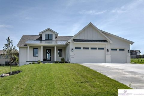 Photo of 16909 Rachel Snowden Pkwy, Bennington, NE 68007