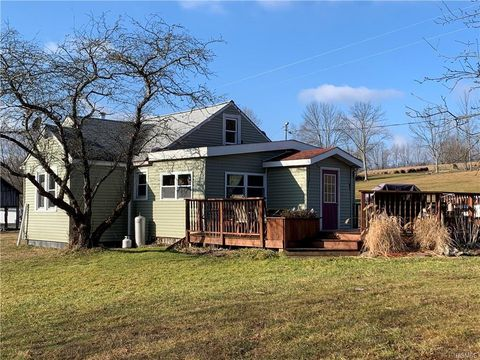 Photo of 445 Willi Hill Rd, White Sulphur Springs, NY 12783