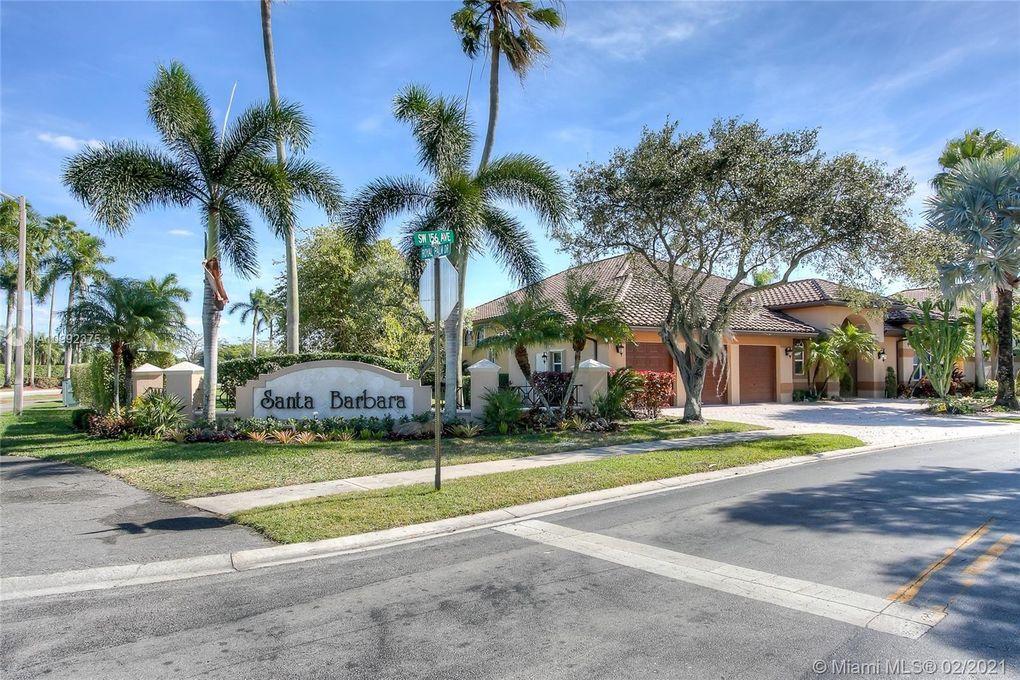 1011 SW 156th Ave Pembroke Pines, FL 33027