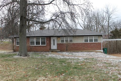 Photo of 1 Sona Ln, Saint Louis, MO 63141