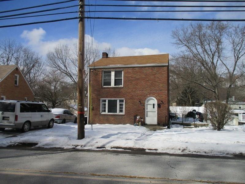 30 Main St Ambridge, PA 15003