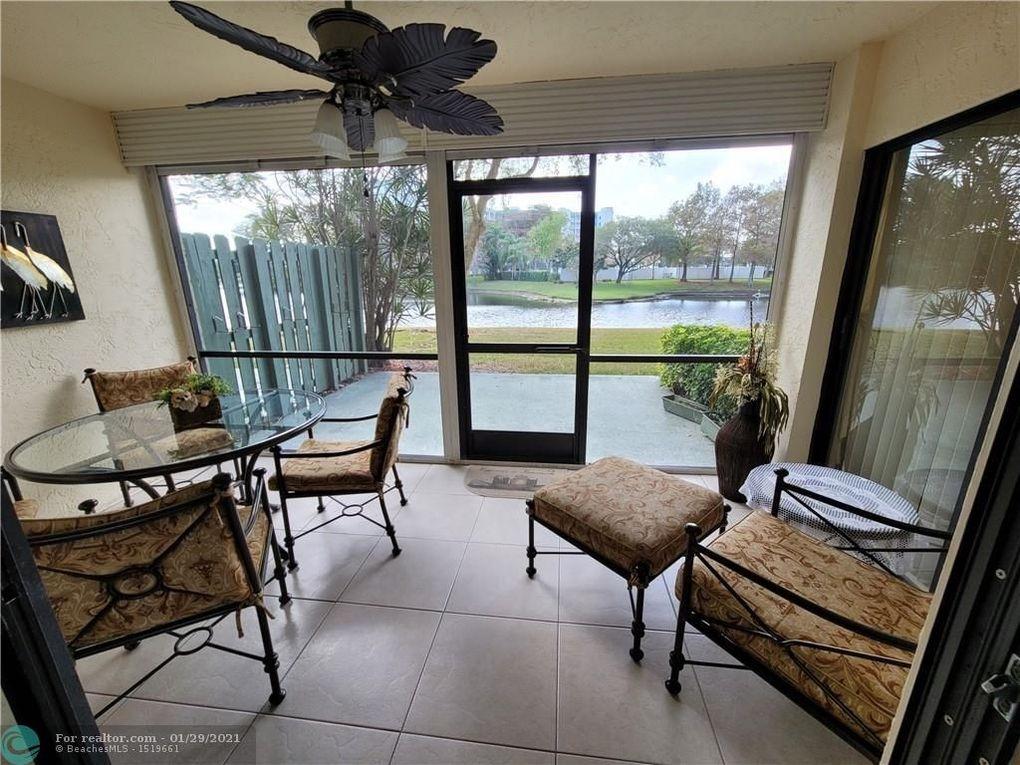 2240 N Cypress Bend Dr Apt 106 Pompano Beach, FL 33069