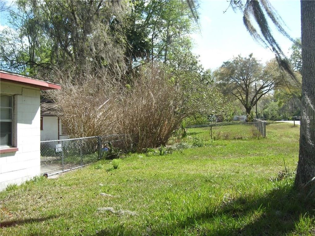 2689 Cr 426 C, Lake Panasoffkee, FL 33538