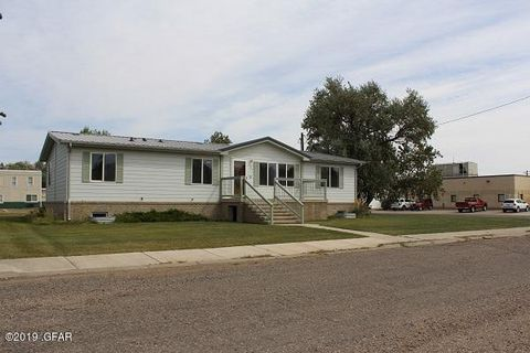 Photo of 307 Deer Lodge Ave, Shelby, MT 59474