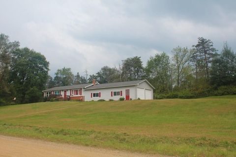 Photo of 11733 Hatch Hill Rd, Meadville, PA 16335