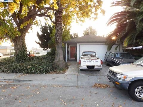 Photo of 14721 Fisk Ct, San Leandro, CA 94579