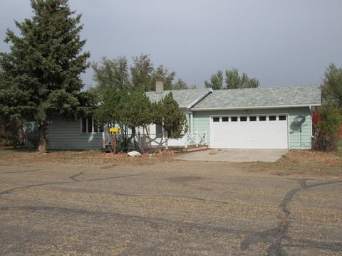 105 Young St Medicine Lake MT 59247