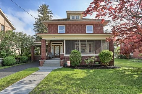 46 W Main St, Quentin, PA 17083