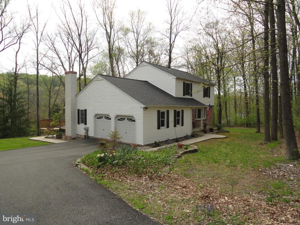 2941 Baas Rd Green Lane, PA 18054
