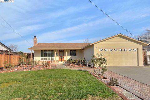 Photo of 924 Coronado Way, Livermore, CA 94550