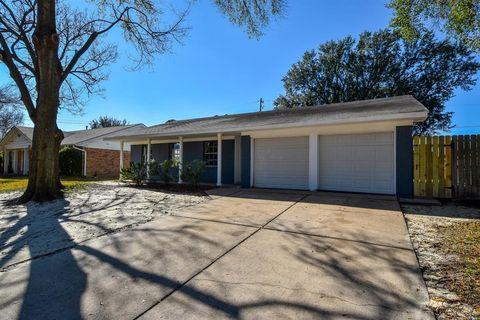 718 Alyse St, Deer Park, TX 77536